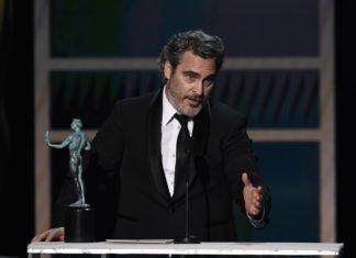 Хоакин Феникс посвящает SAG Award Хиту Леджеру